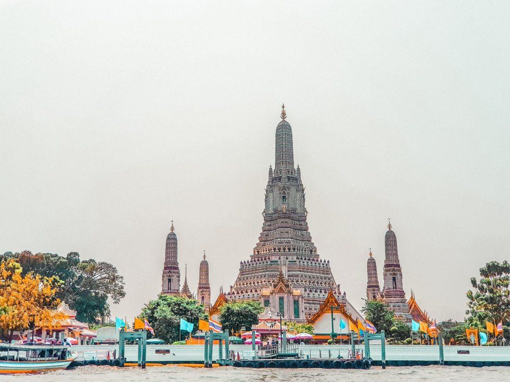 Wat Arun during day