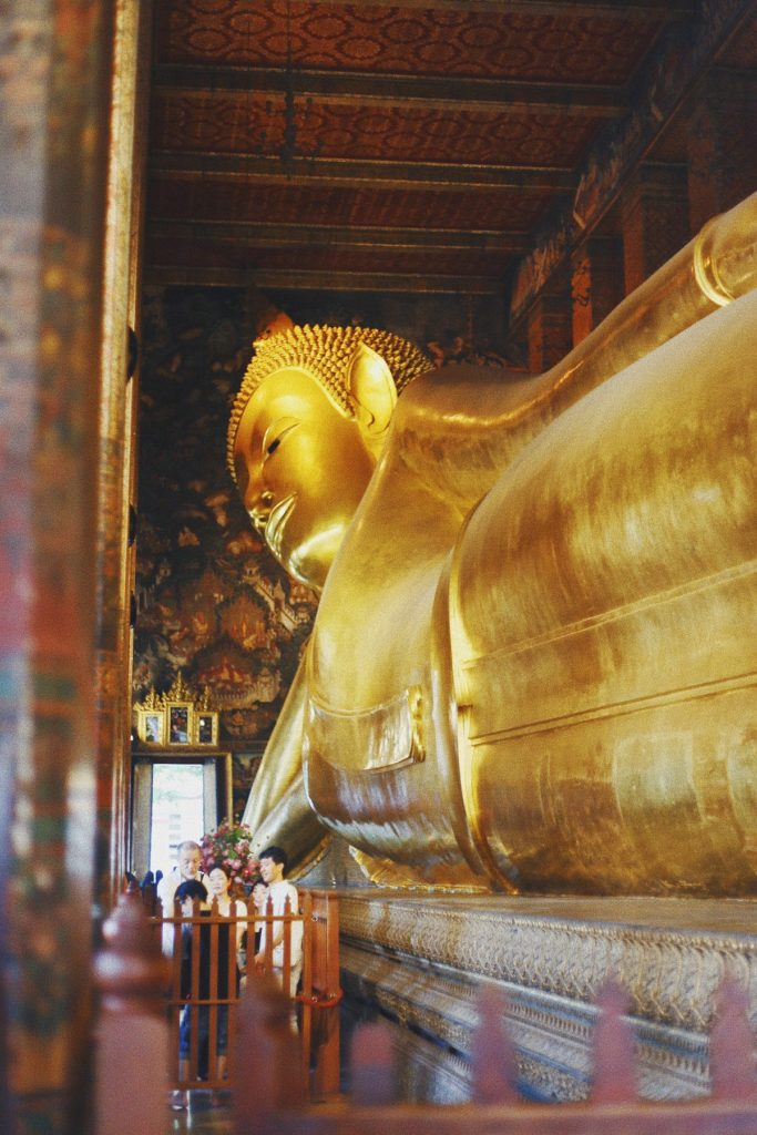 reclining gold Buddha at Wat Pho