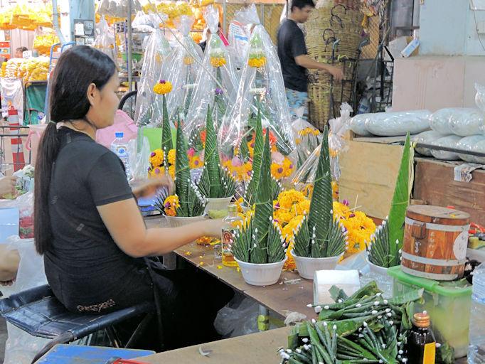floral arrangements at Pak Khlong Talat