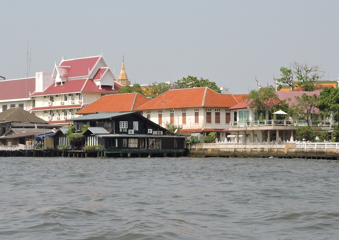 Loy la Long from the river