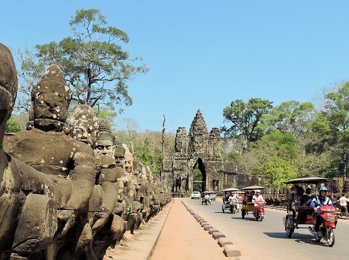angkor Thom entrance gate with remork mottos