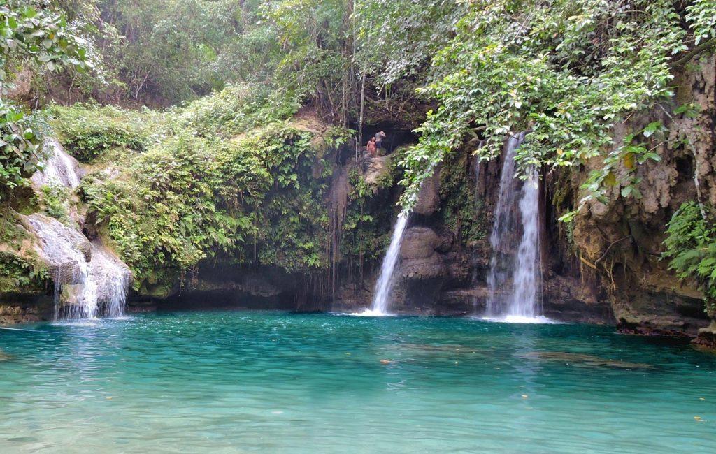 wide view of three smaller falls at Kawasan