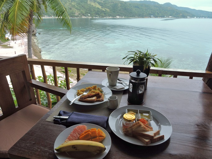 breakfast with early morning ocean view