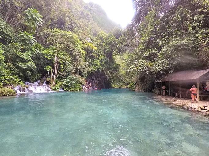 clear blue swiming hole second level of Kawasan falls