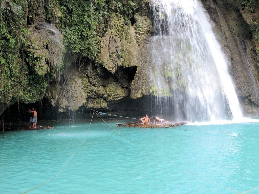 rafts going under Kawasan falls