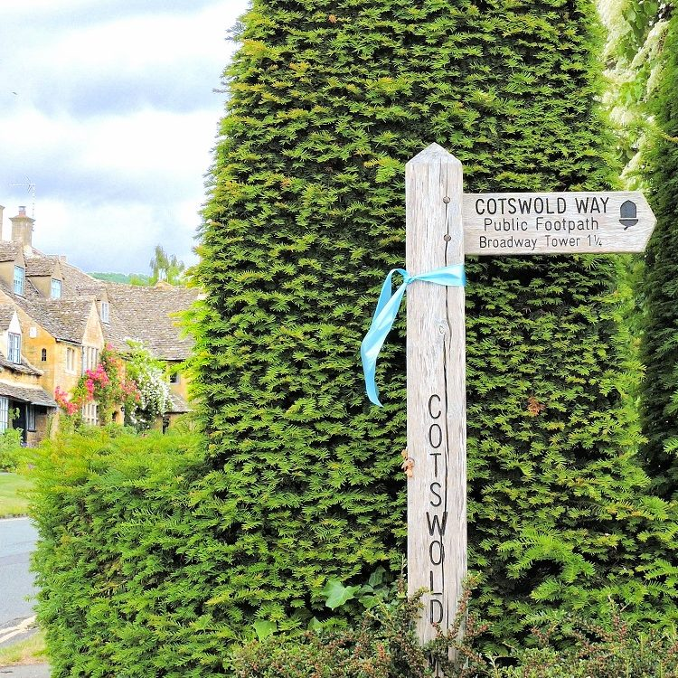 sign post for cotswold way