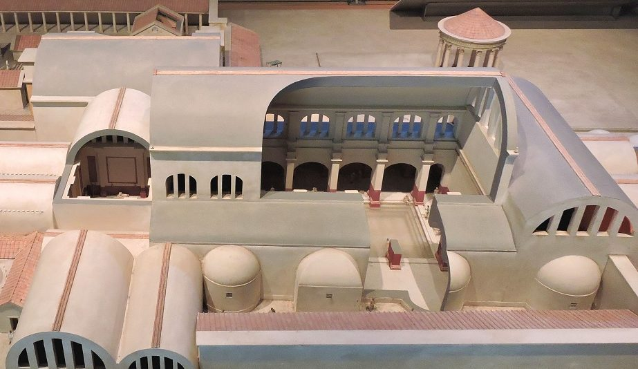 model recreation with look inside roman baths