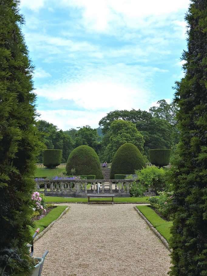 garden with manicured lawns and ornamental shrubs