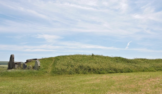 side view of west kennet long barrow grassy mound