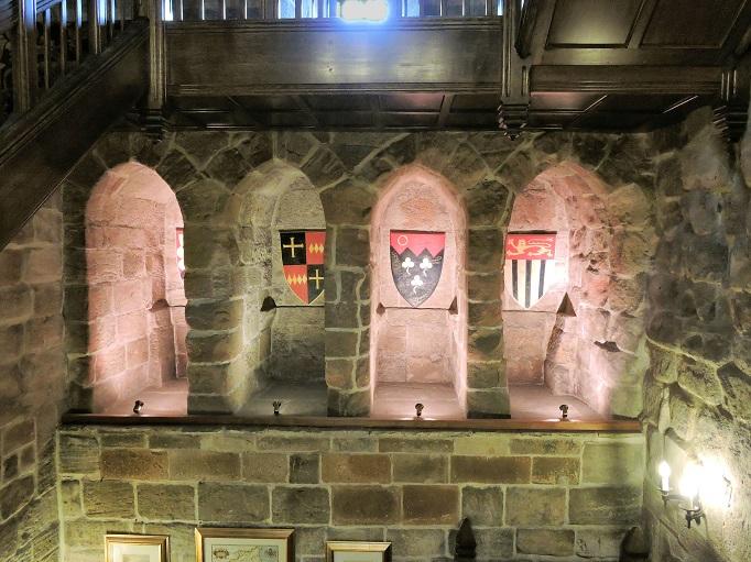 castle-garderobes