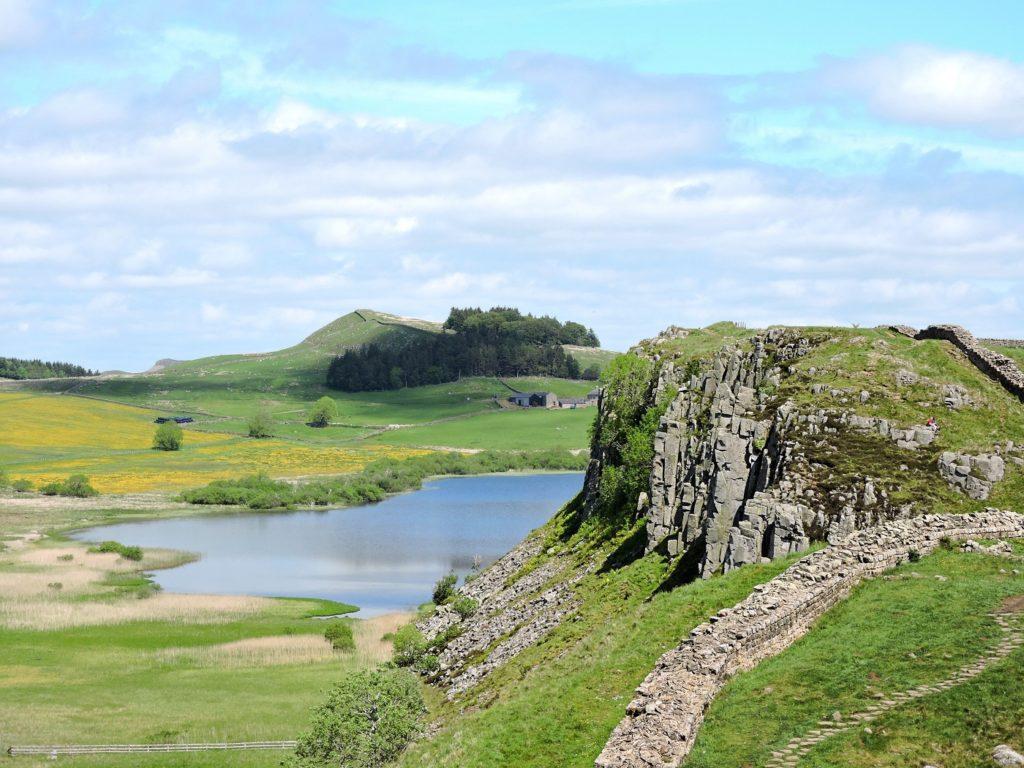 lake-cliffs-hadrians-wall